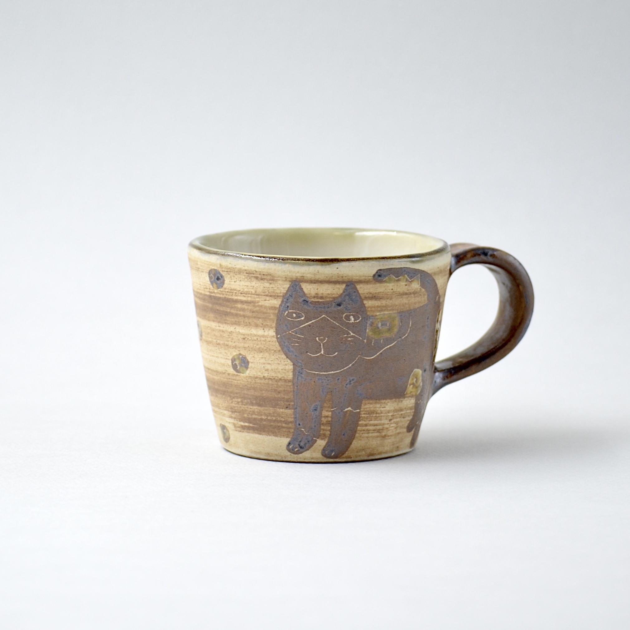 ハチワレネコのマグカップ m3