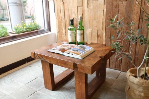 無垢チーク材 デザインもサイズも絶妙なオールドチークのローテーブル51-223