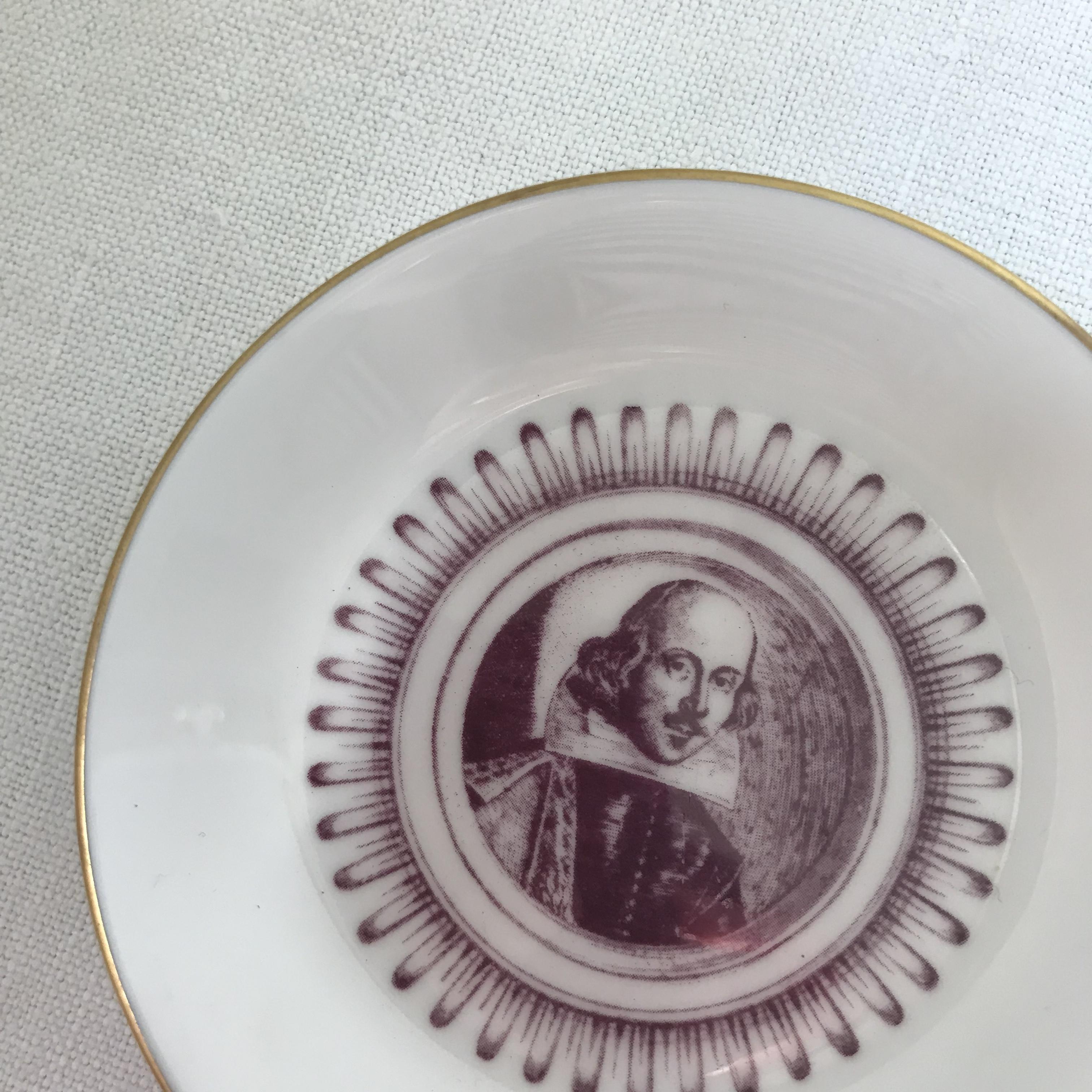 小さなシェークスピアのお皿