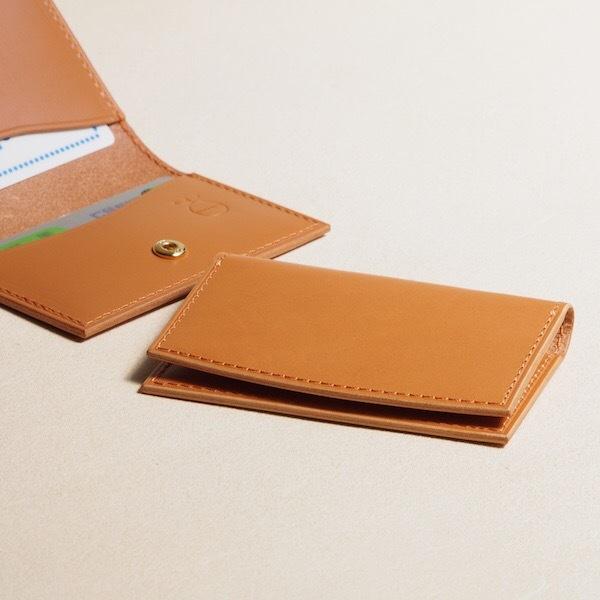 薄く小さい革のパスケース#キャメル