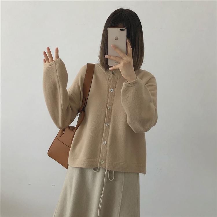 〈カフェシリーズ〉ラテカラーシンプルニットカーディガン【latte color simple knit cardigan】