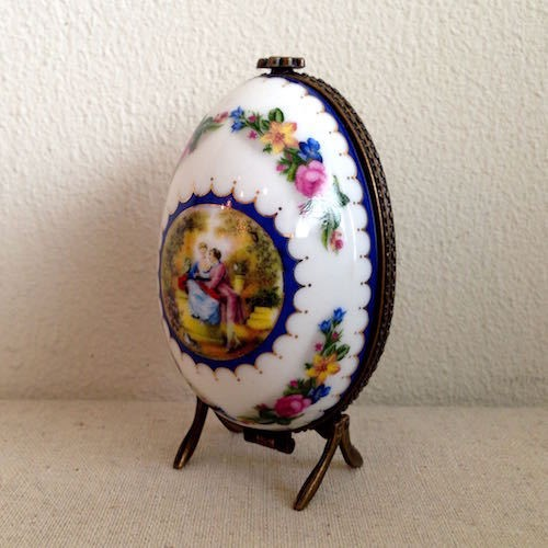 Ceramic Egg Perfume Trinket