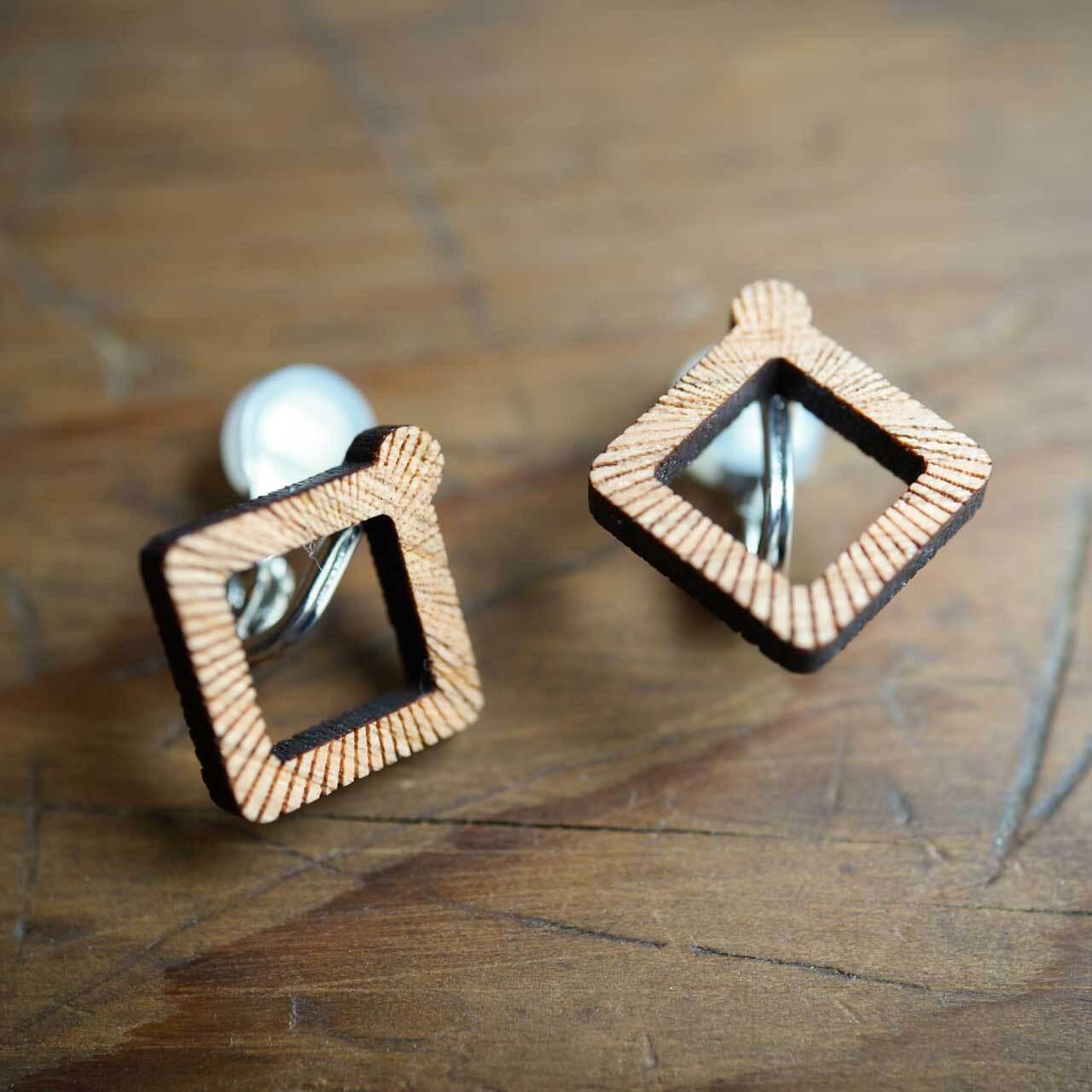quadrangle / 四角形(Pierced Earring)