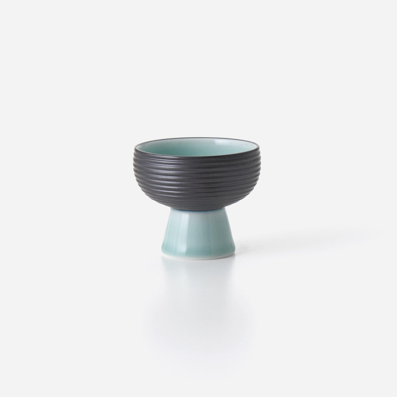 青磁黒彩 高高台小鉢