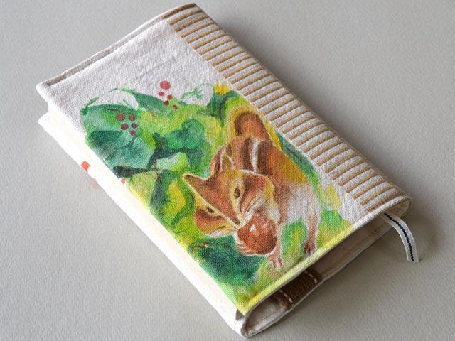 もぐもぐりすの手描き絵ブックカバー<文庫本サイズ〜green>
