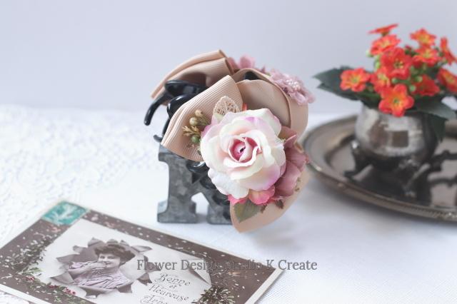 エクリュピンクの薔薇とコスモスのバンスクリップ 髪飾り ヘアクリップ ベージュ バラ お出掛け フォーマル
