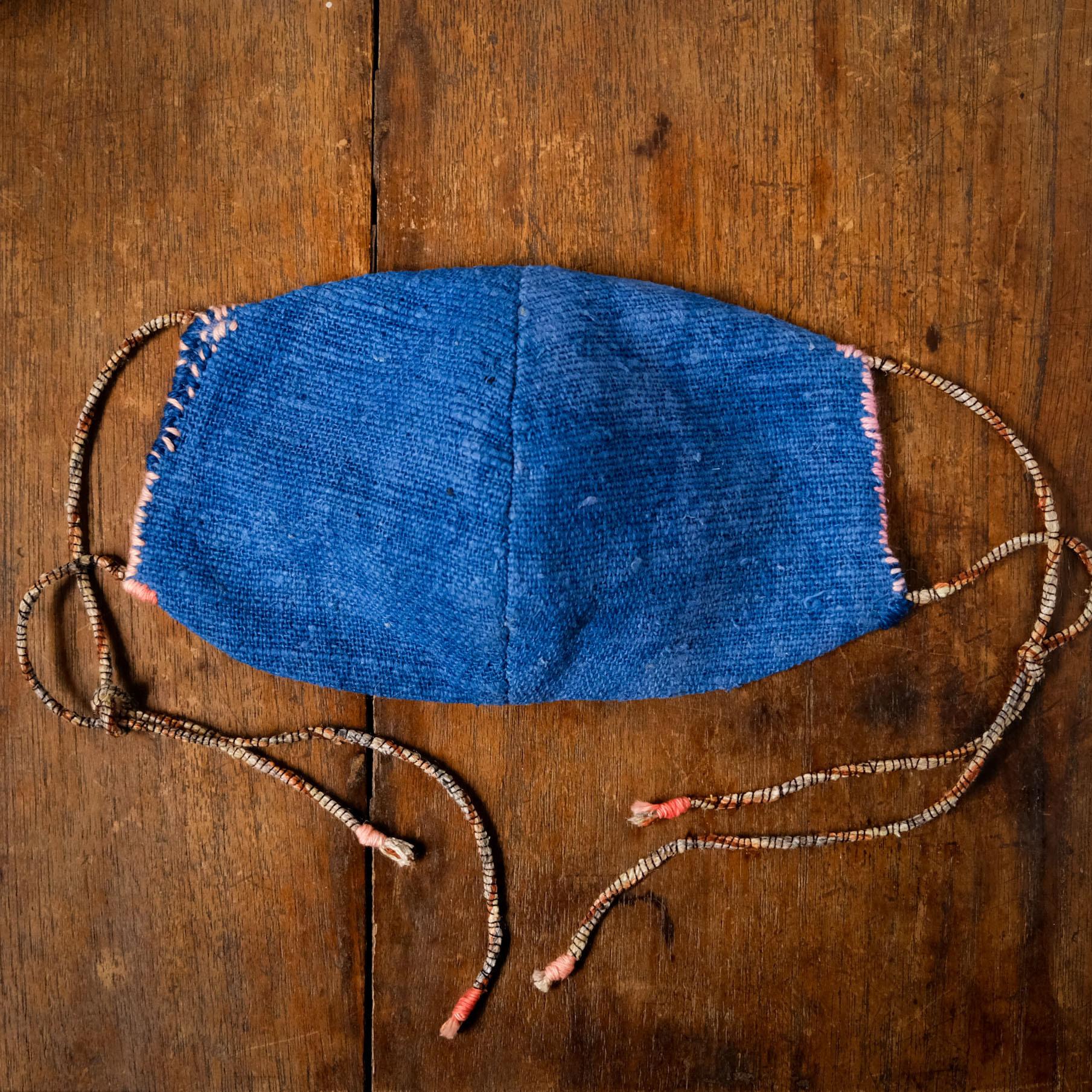 「さんご」藍染手紡ぎ手織り綿と竹布の手縫いマスク レギュラーサイズ