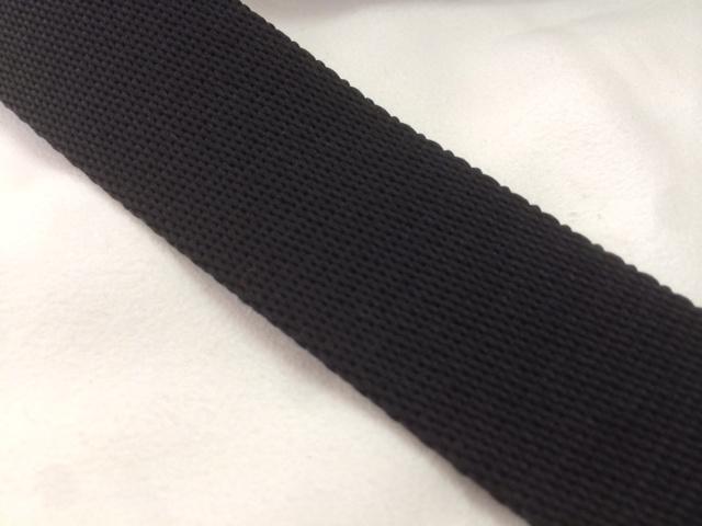 柔らかい感触のポリエステルテープ 厚手 38㎜幅 1m 黒