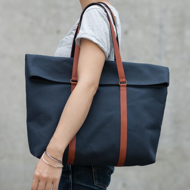 革と帆布のトートバッグ インディゴ