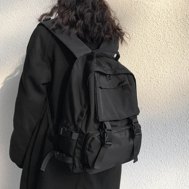 【送料無料】 荷物が多くてもOK♡ 大容量 バックパック 黒 リュック カジュアル カバン 便利 収納力 通学バック
