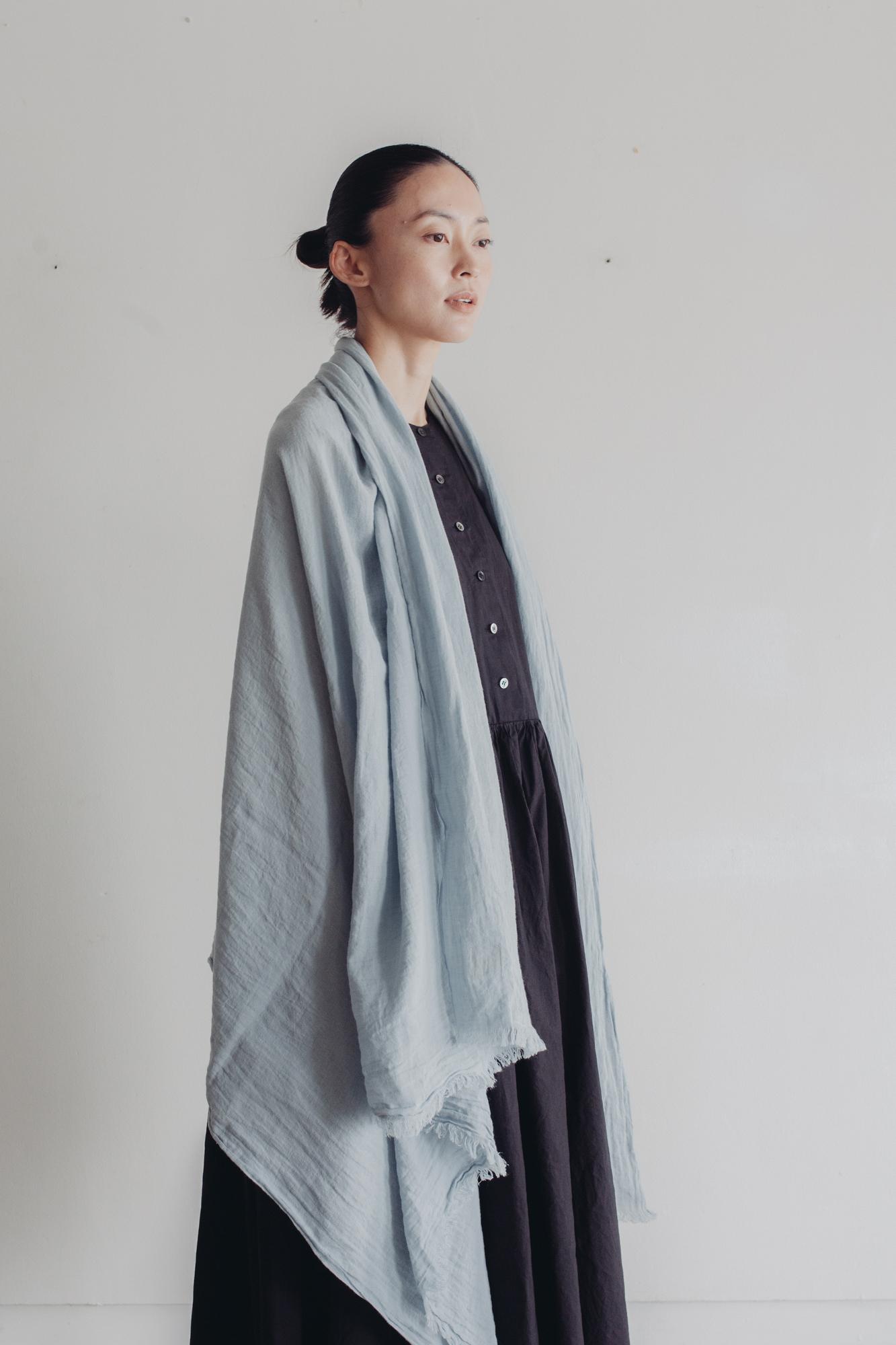 0154-2 yarn dye cotton/linen stole / smoky blue