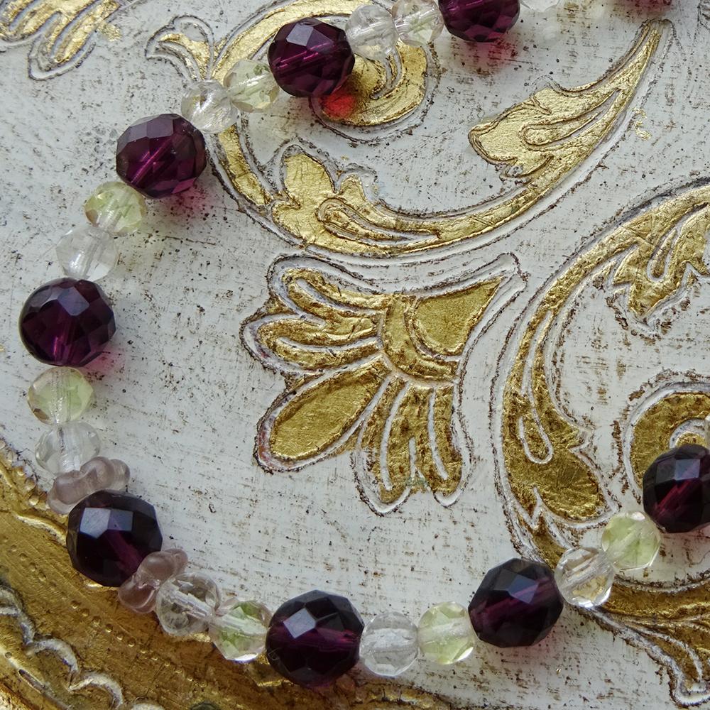 チェコスロバキア ウランガラスのネックレス / ダークパープル