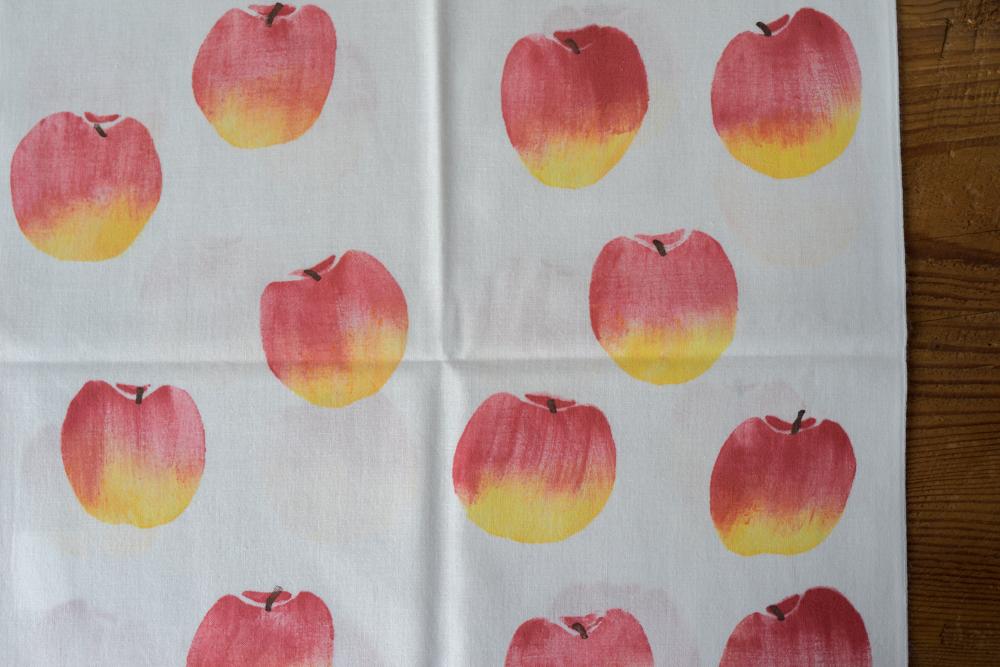 アケモドロ 手ぬぐい ( リンゴ )