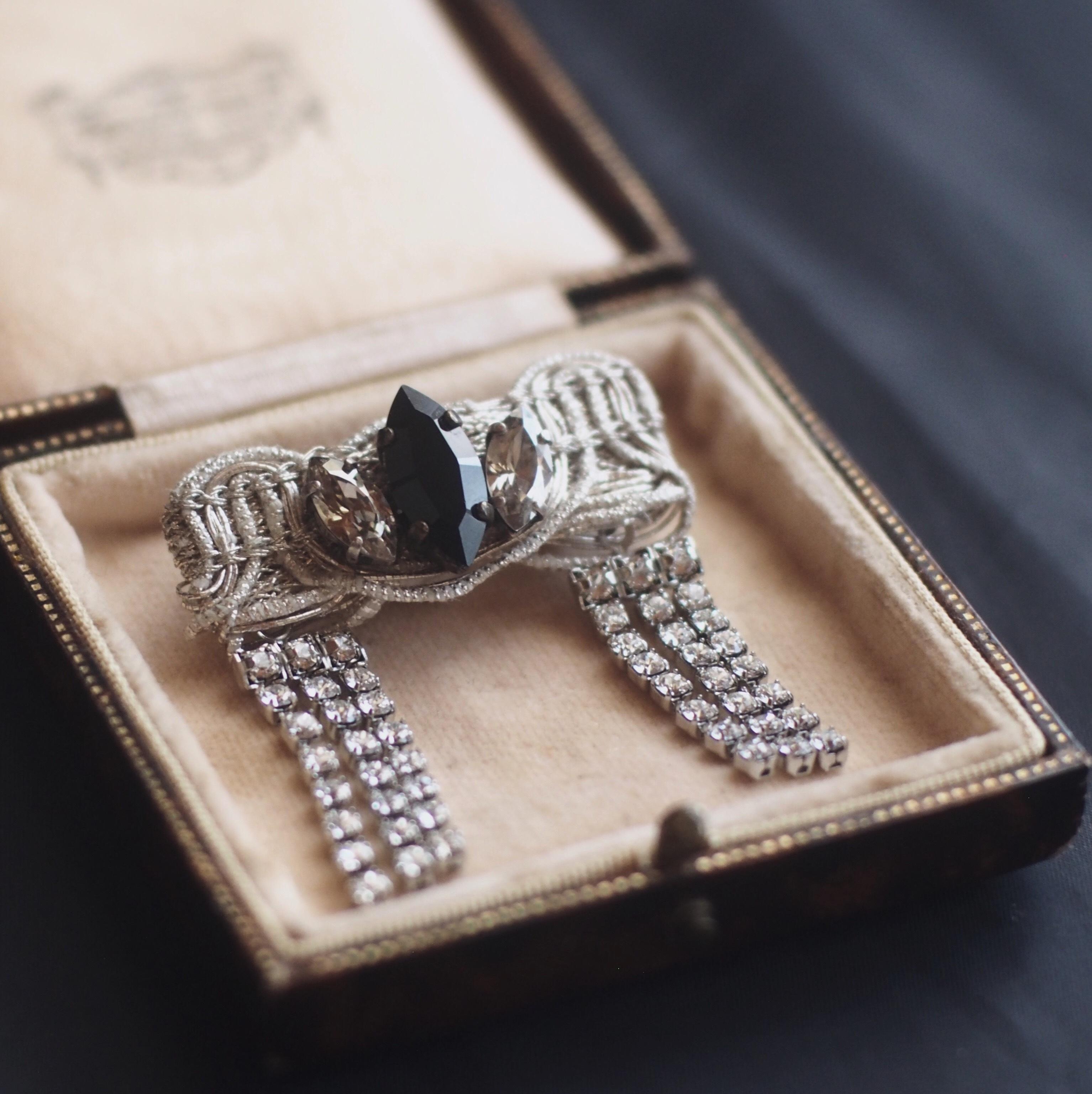 カーテンコール / ブローチ(silver×rhinestone2)