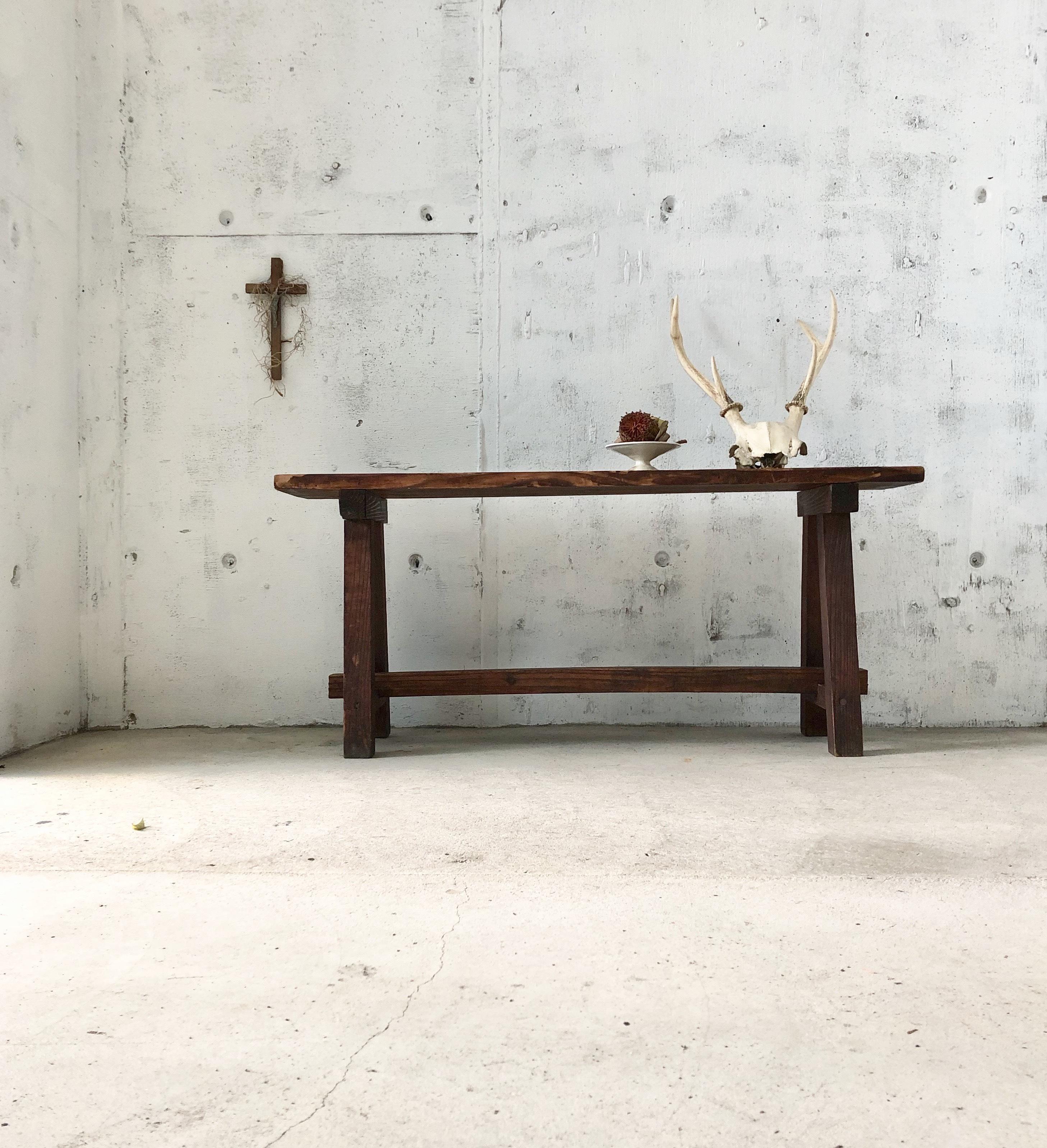 上品な佇まいの木製ベンチ[古家具]