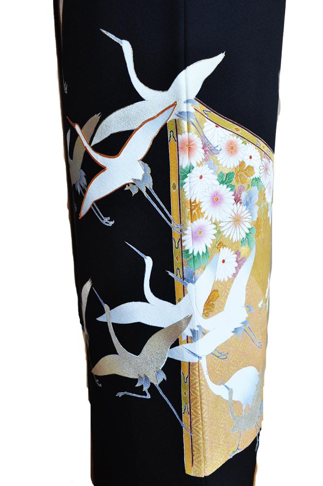 ハイクラス黒留袖レンタル【高級加工品】正絹本金彩加工・前は大胆な金彩鶴、後は金彩に友禅鶴と菊柄「」L寸kuroh1[往復送料無料] - 画像4