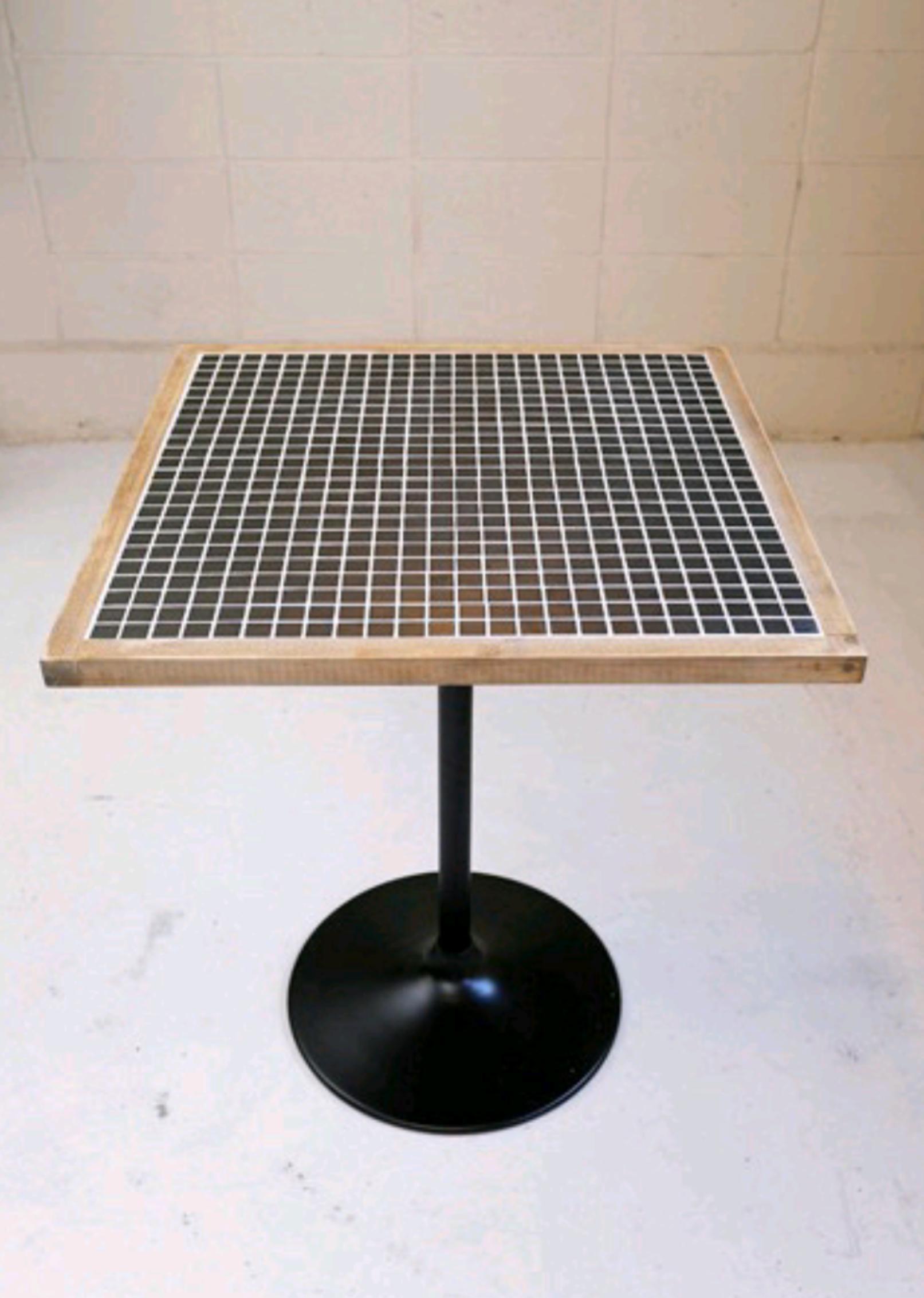Less タイル カフェテーブル サイズ750×750×高さ720