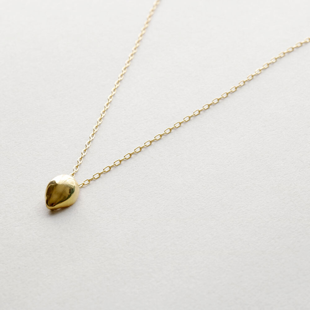 wave / necklace (gold)