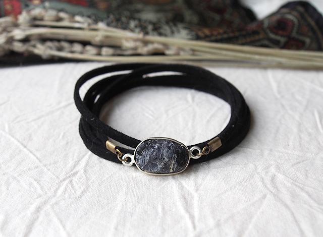 原石アイオライトのレザーブレス
