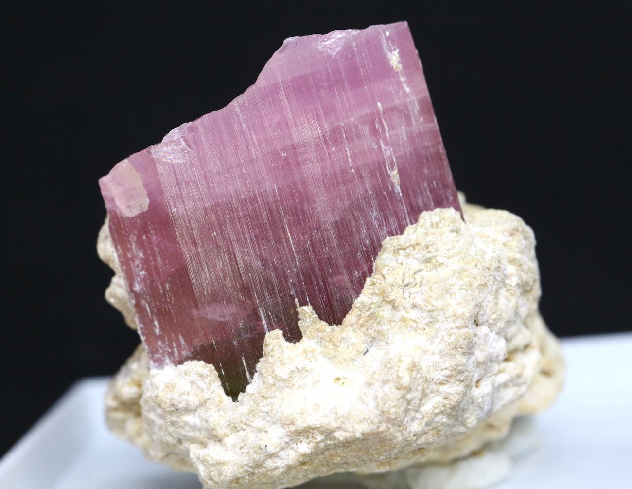 ケース入り! ピンクトルマリン カリフォルニア産 19,6g T069 鉱物 天然石 原石 パワーストーン