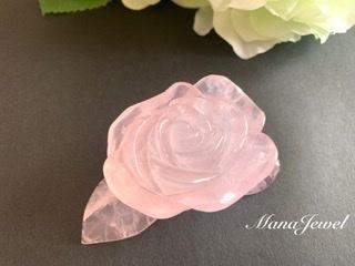 ✴︎置石✴︎ローズクォーツ 薔薇彫刻 紅水晶 《A》