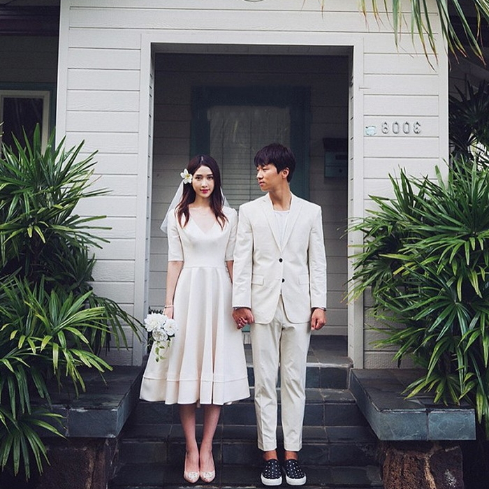 ホワイトドレス ウエディング Vネック 五分袖 白 フレアワンピース