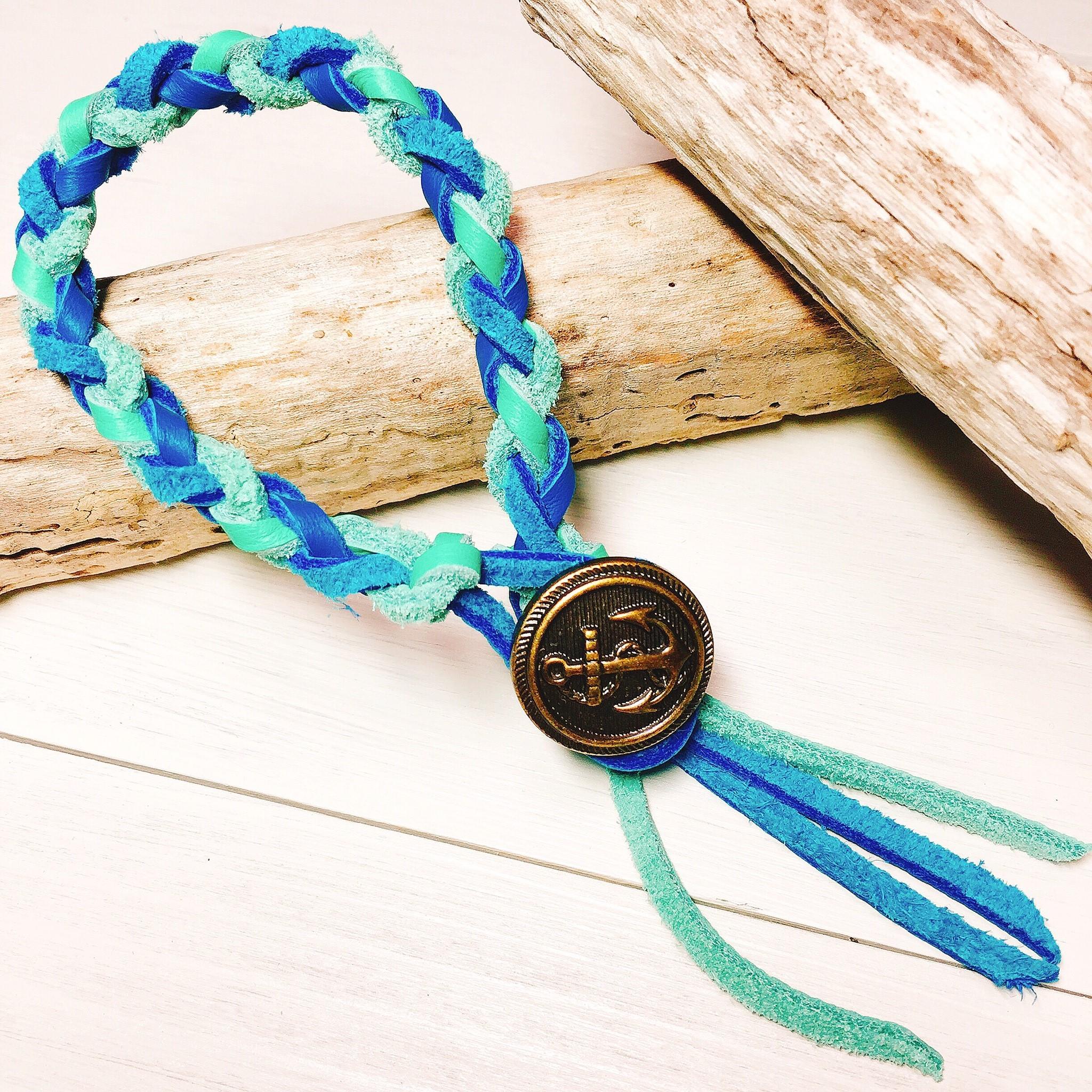 Marine concho bracelet  (Blue × Green)
