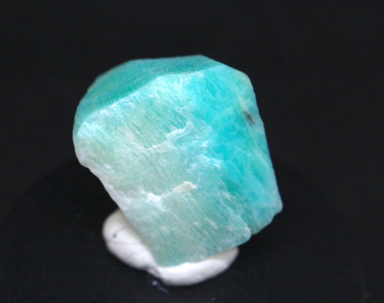 希少レアなカリフォルニア産!アマゾナイト原石 4,4g AZ024