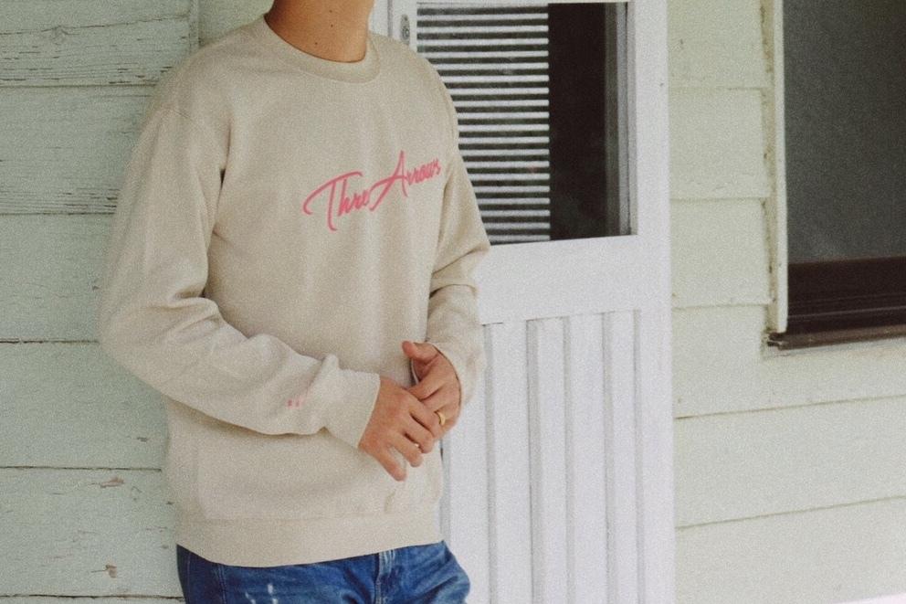 【1/15 21:00 再入荷】ThreeArrows スウェット(beige × pink)