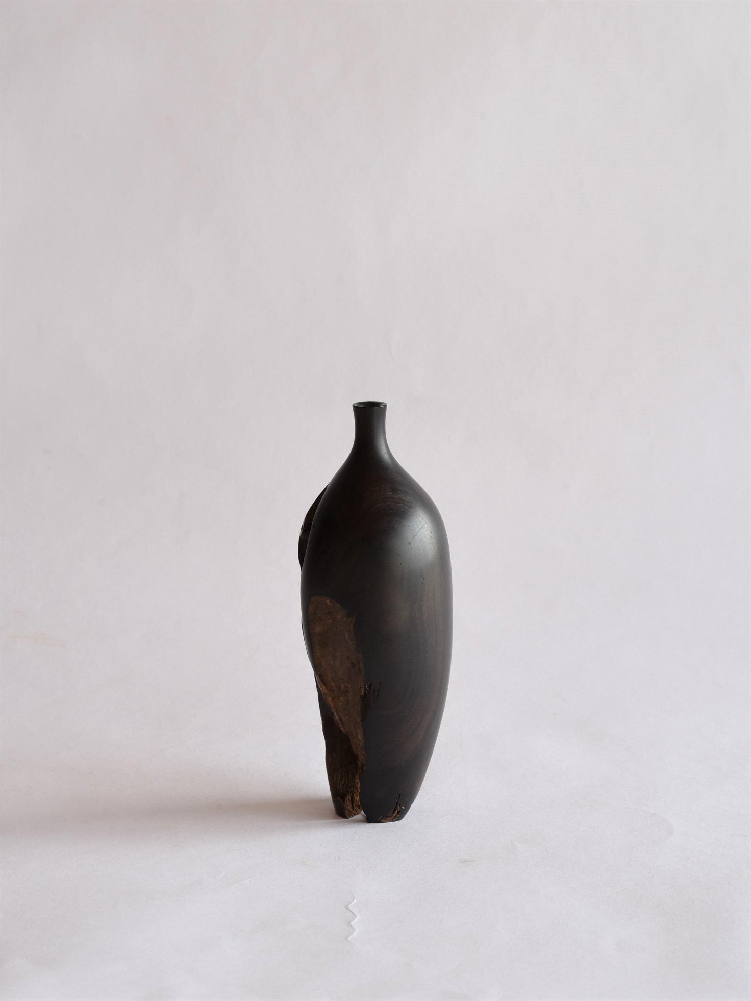 市川岳人 | 装飾花器 / n-12