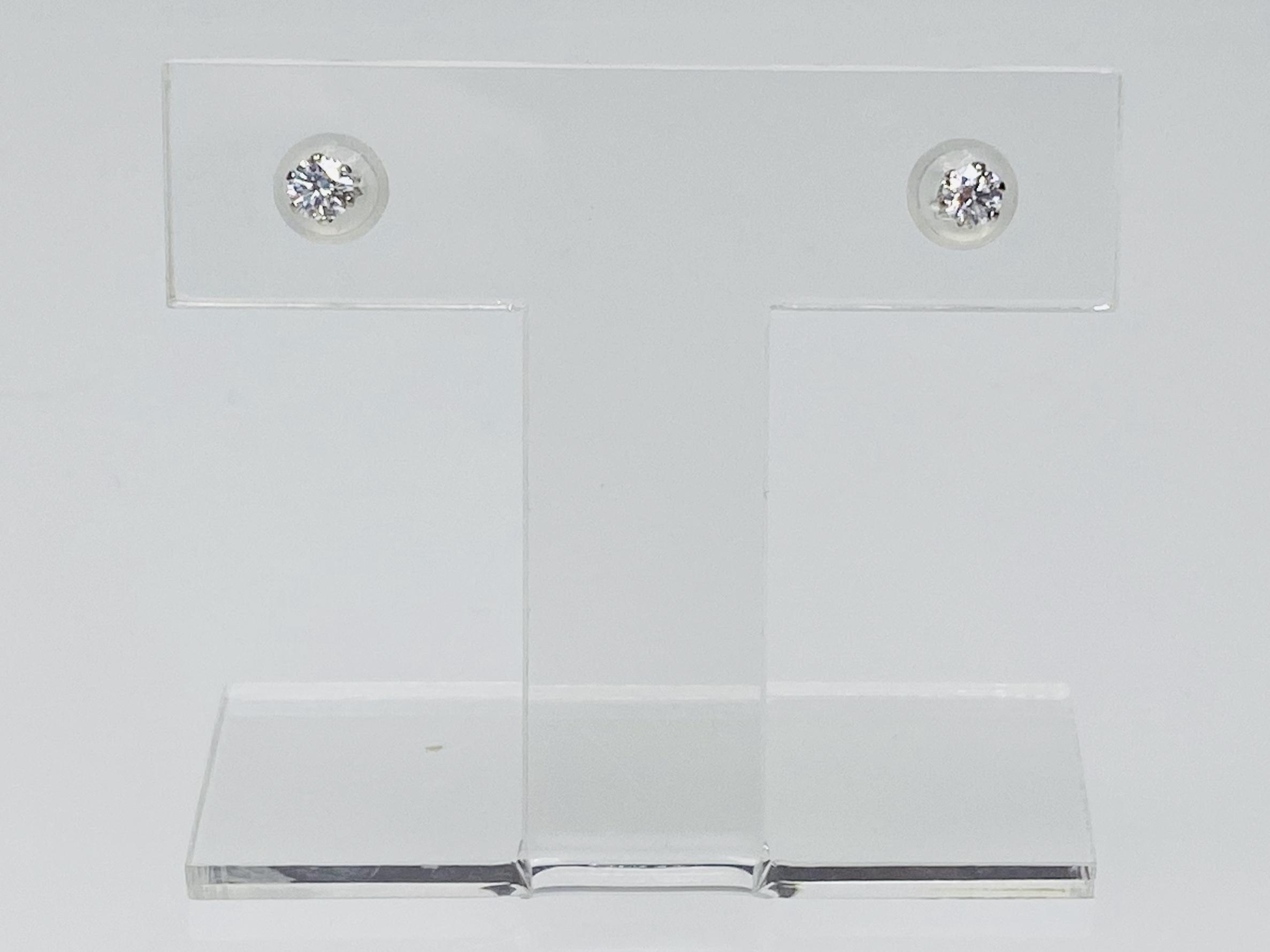 PT900 0.106ct 0.097ct ダイヤピアス ○
