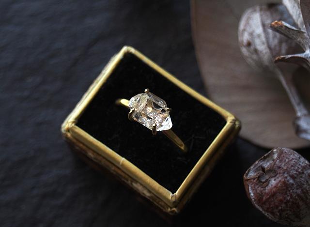 kimamanatakae様オーダー 原石のダイヤモンドクォーツのリング