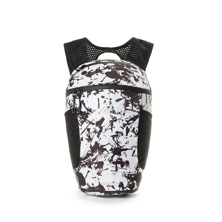 VOORAY  ACTIVE BACKPACK 13.5L(ヴォーレイ-アクティブ バックパック)