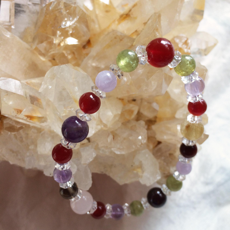 Pele ペレ gemstone bracelet