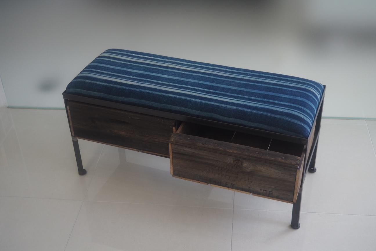 品番UAI2-128  2drawer ottoman[narrow/African indigo batik tribal]