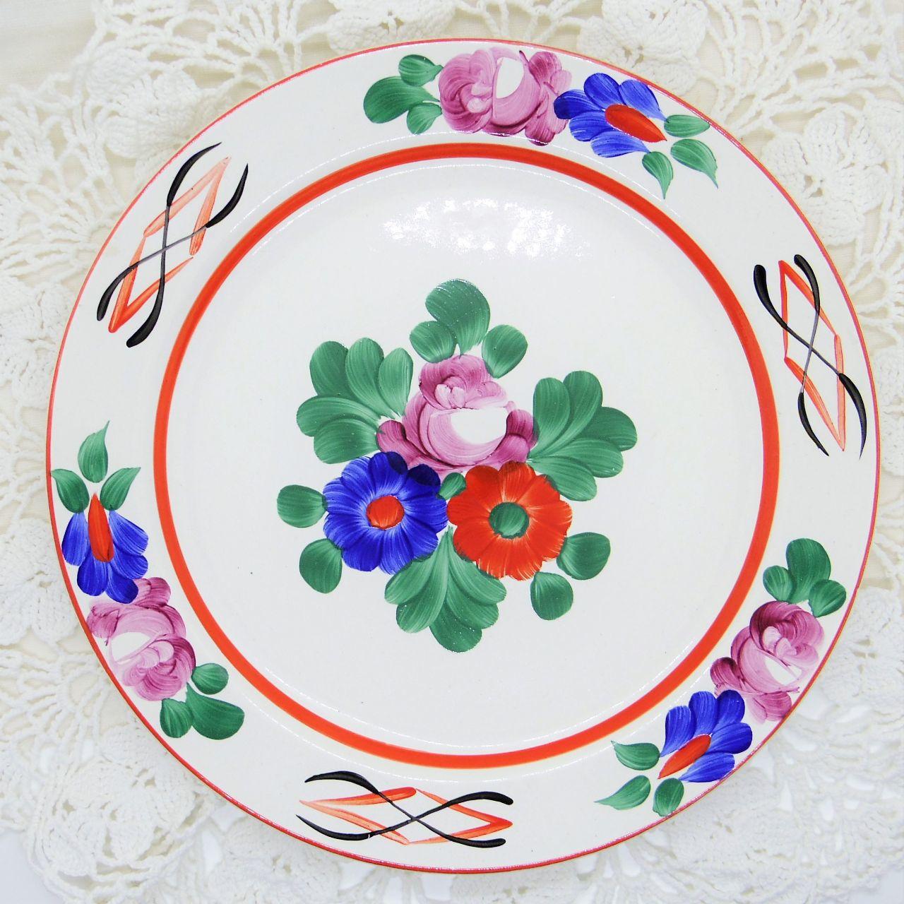 ハンガリーの飾り皿 ハンドペイント平皿①