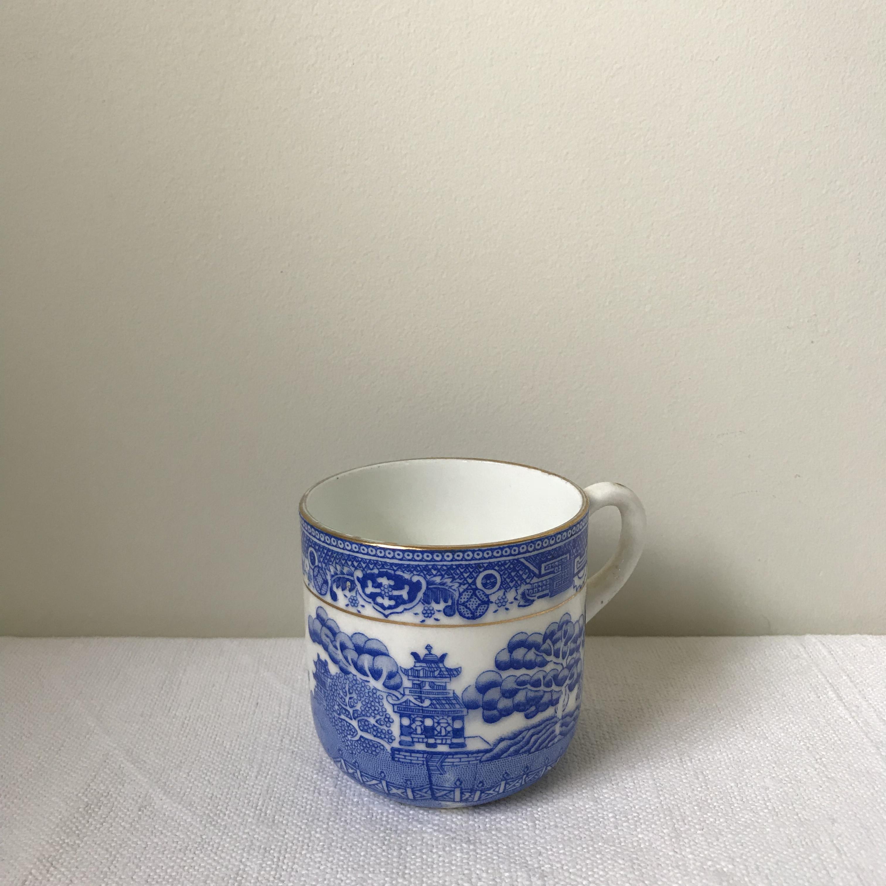 ウィロー柄のカップ