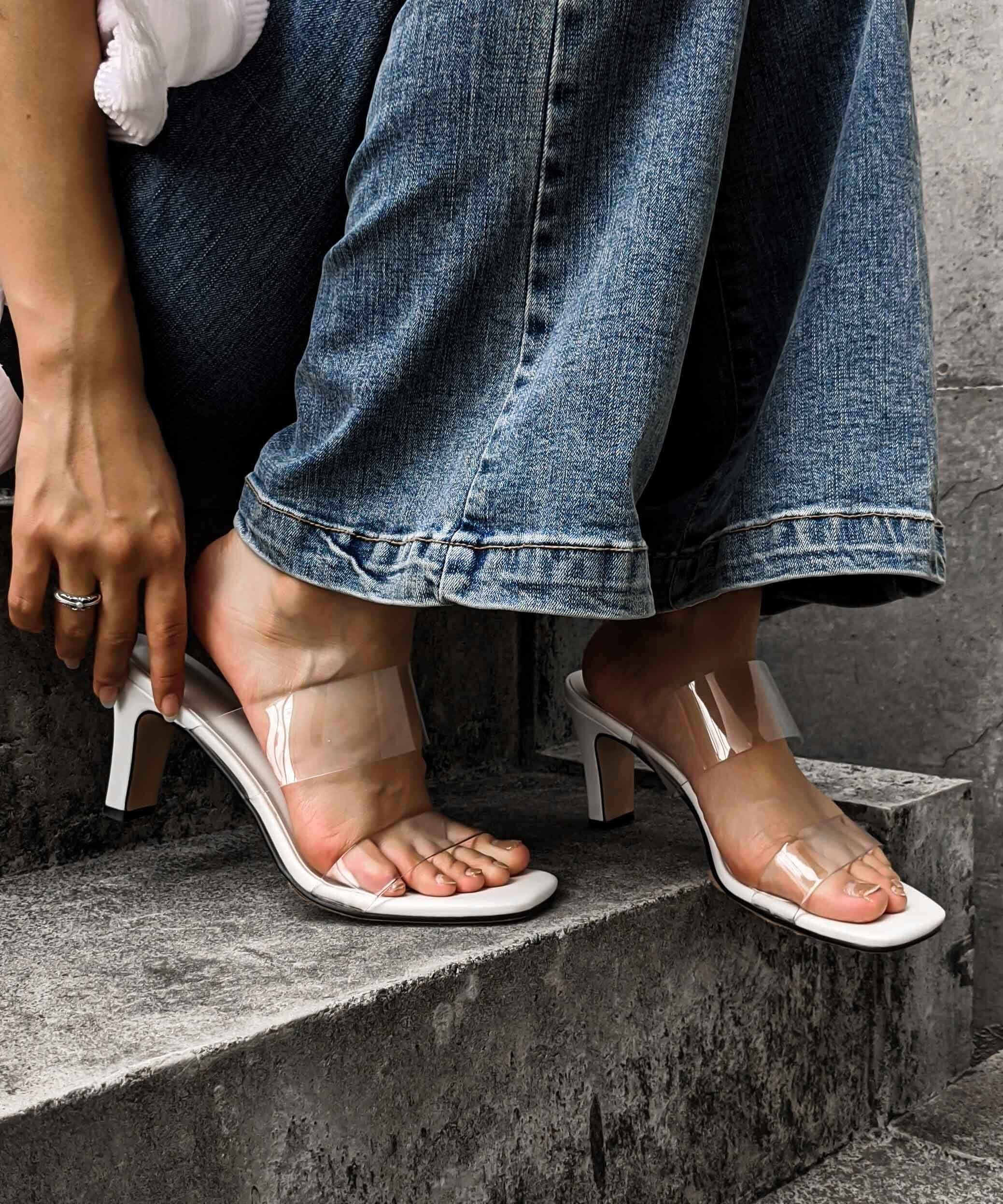 Deformation clear sandal