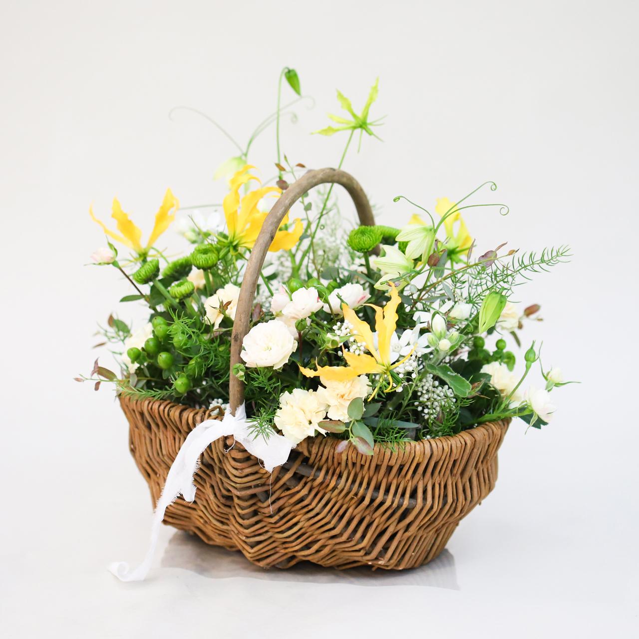 【母の月】花摘みバスケット