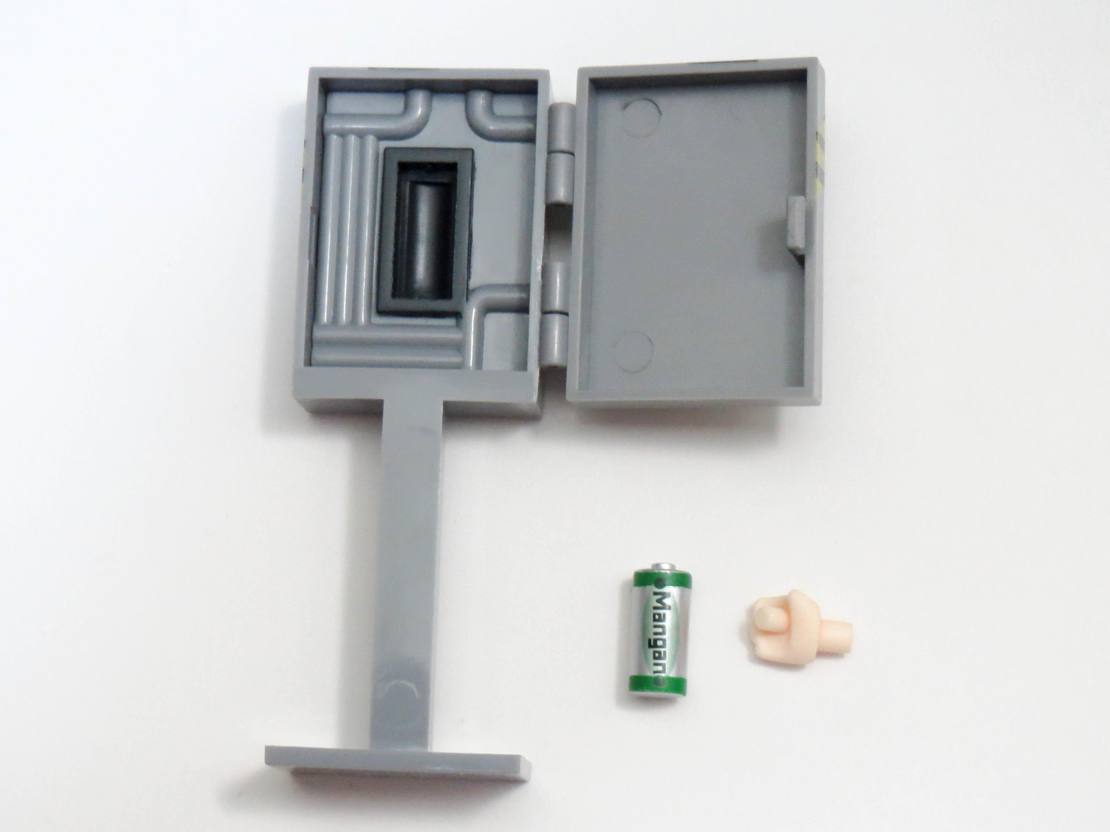 【406a】 ミス・モノクローム  小物パーツ 乾電池と電池BOX ねんどろいど