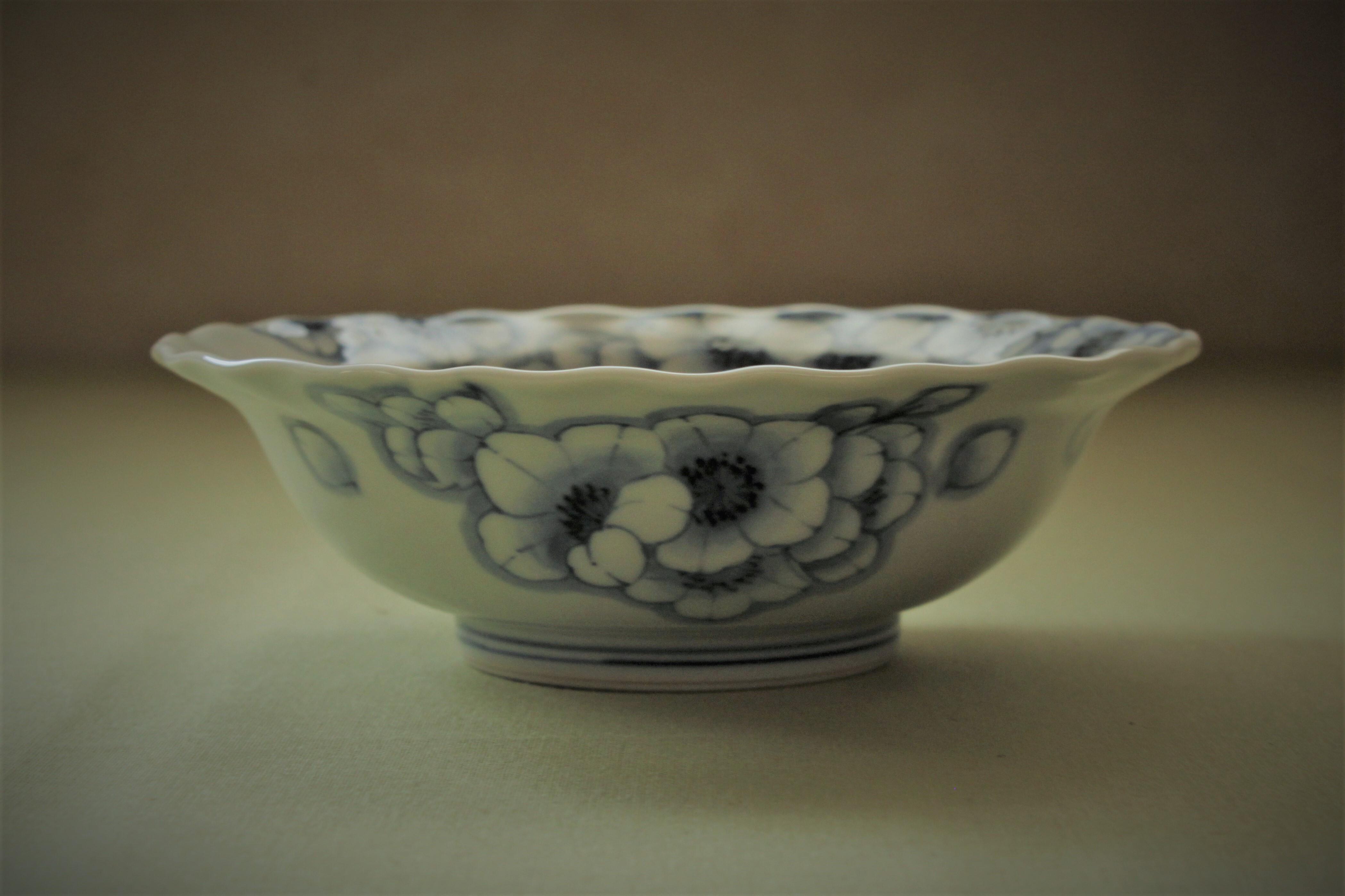 波渕王冠桜平小鉢