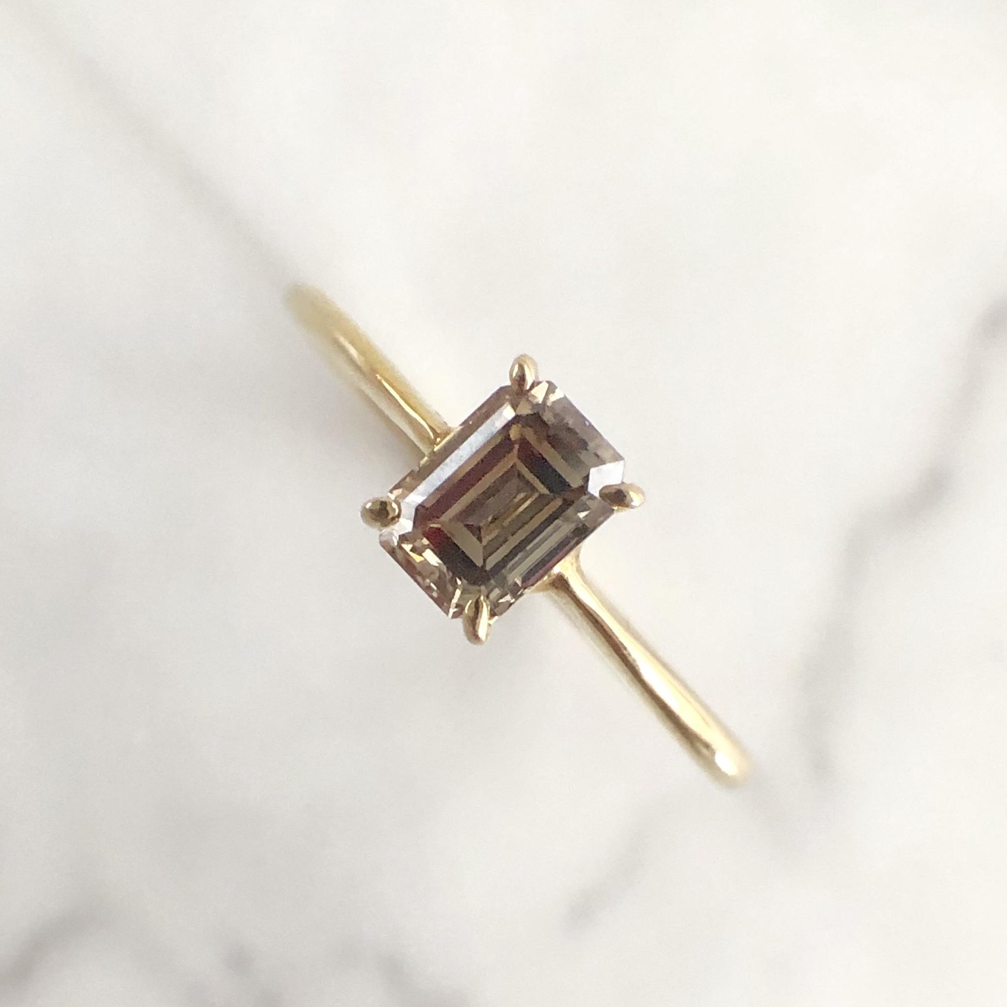 ブラウン エメラルドカット ダイヤモンド リング 0.504ct K10イエローゴールド チェカ 鑑別書付
