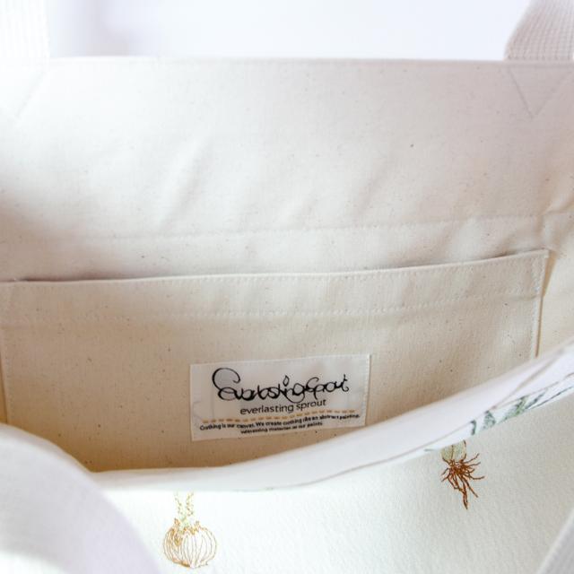 球根植物柄刺繍のトートバック オフホワイト