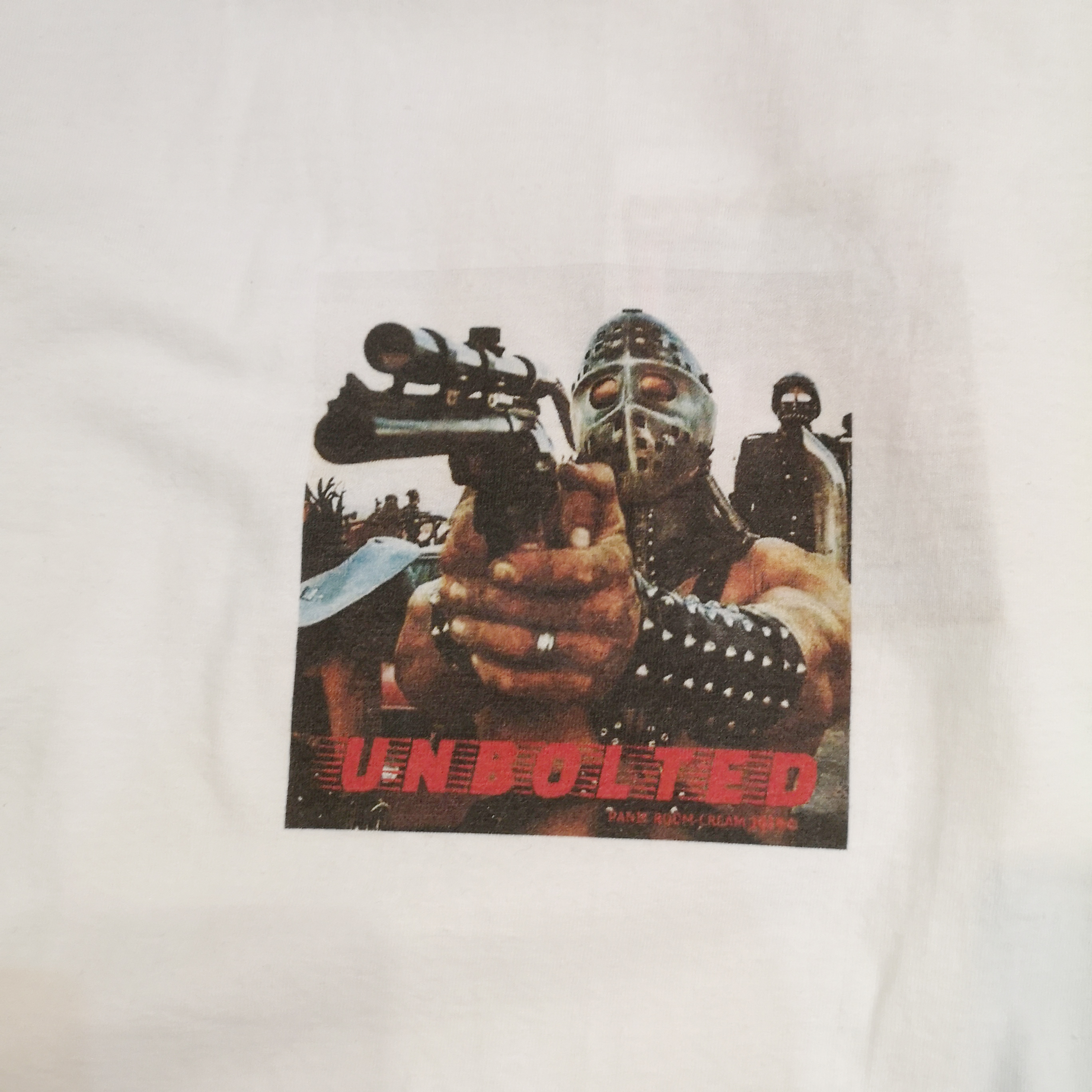 "UNBOLTED ""HUMUNGAS"" TEE Artwork by FACE"