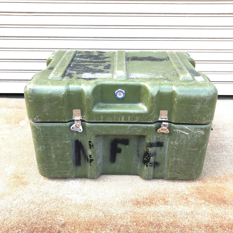 品番0987 ミリタリーボックス 強化プラスチック製 オリーブドラブ色 コンテナ 米軍 ヴィンテージ