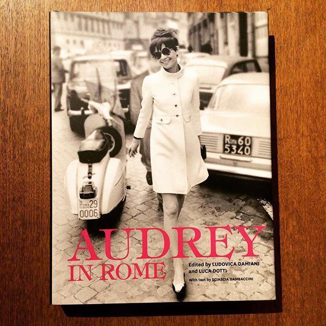 オードリー・ヘプバーン写真集「Audrey in Rome 」 - 画像1