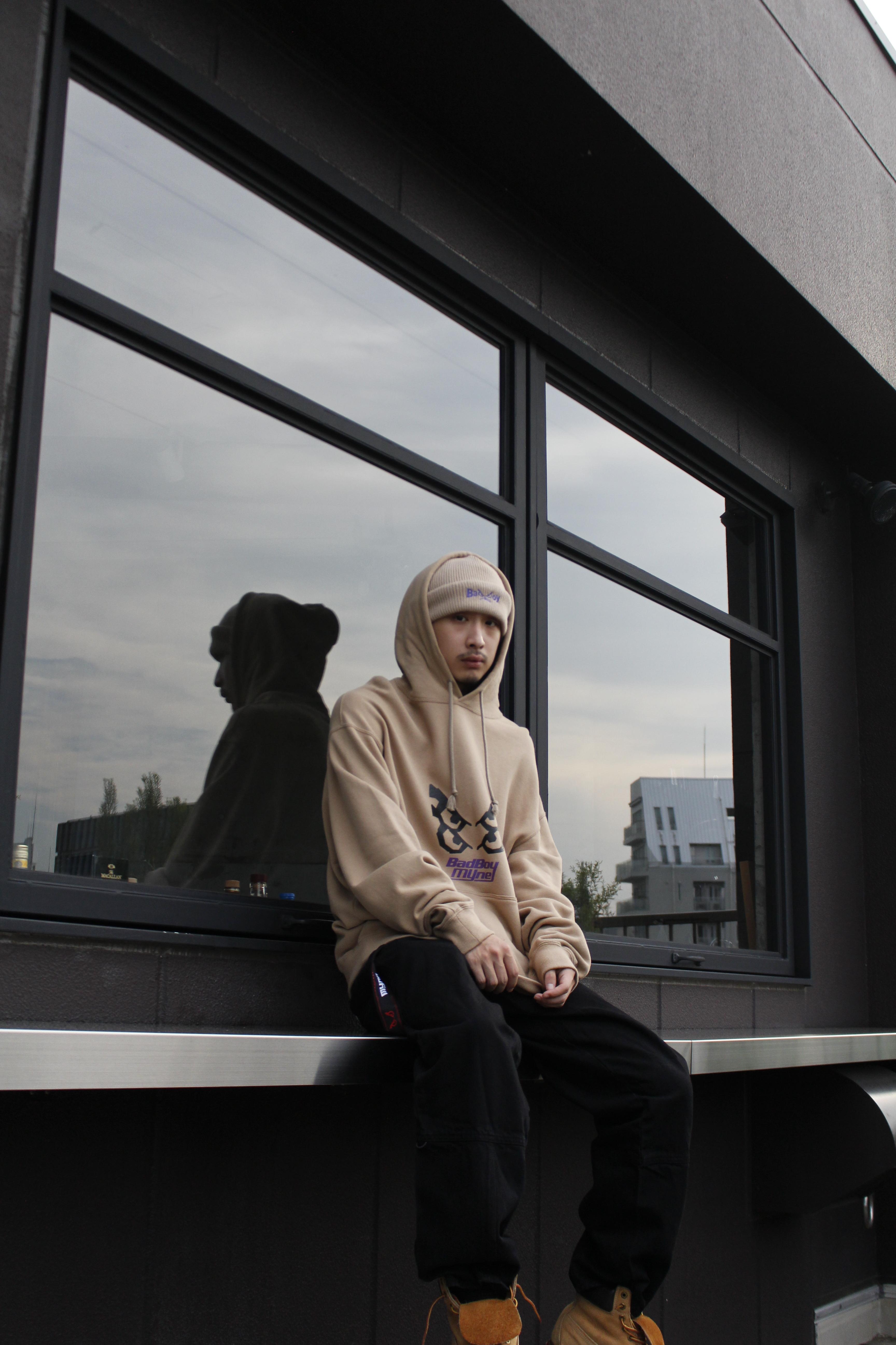 【10%OFF】MYne × BADBOY hoodie / BEIGE - 画像3
