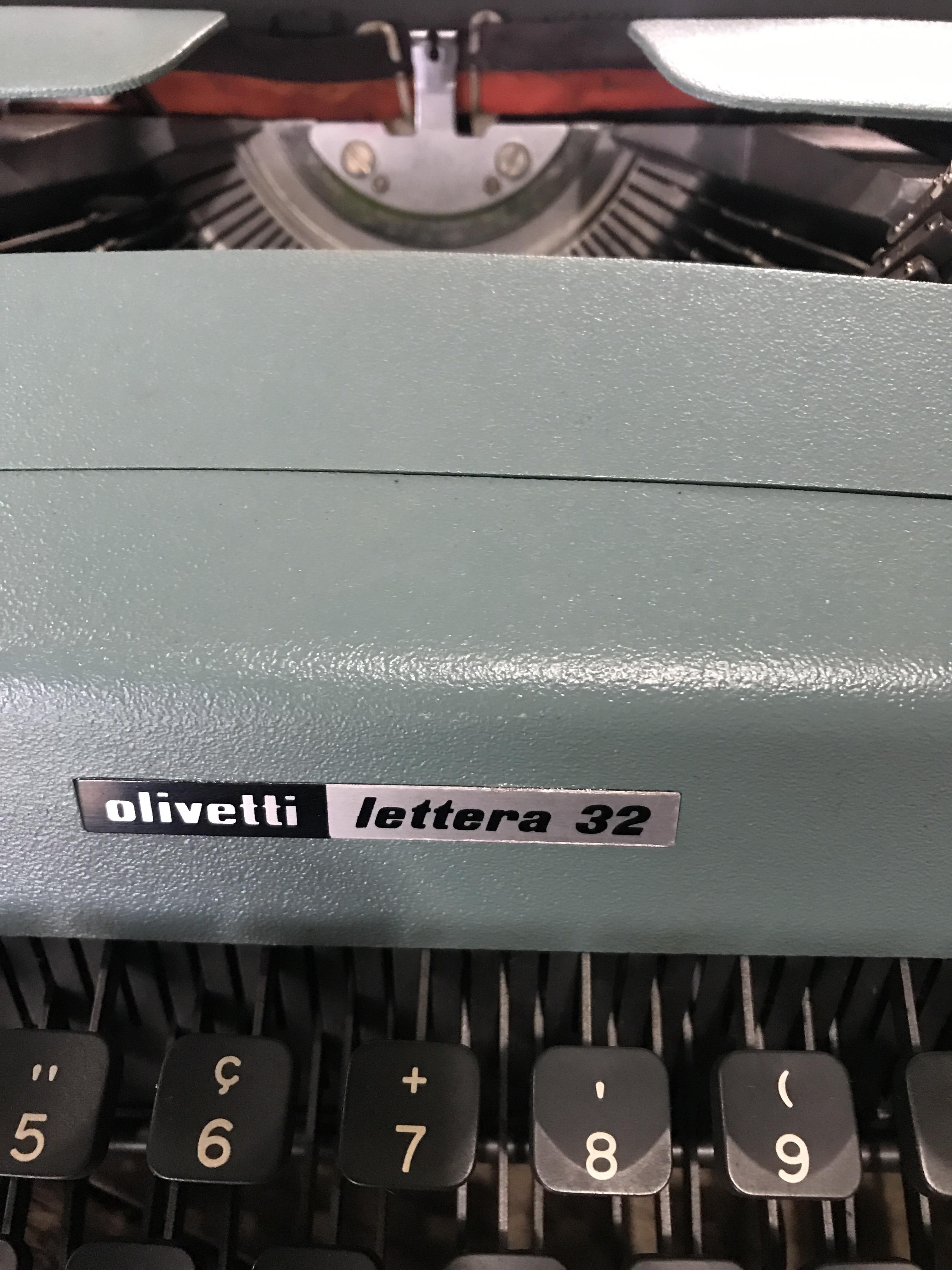 olivetti タイプライター