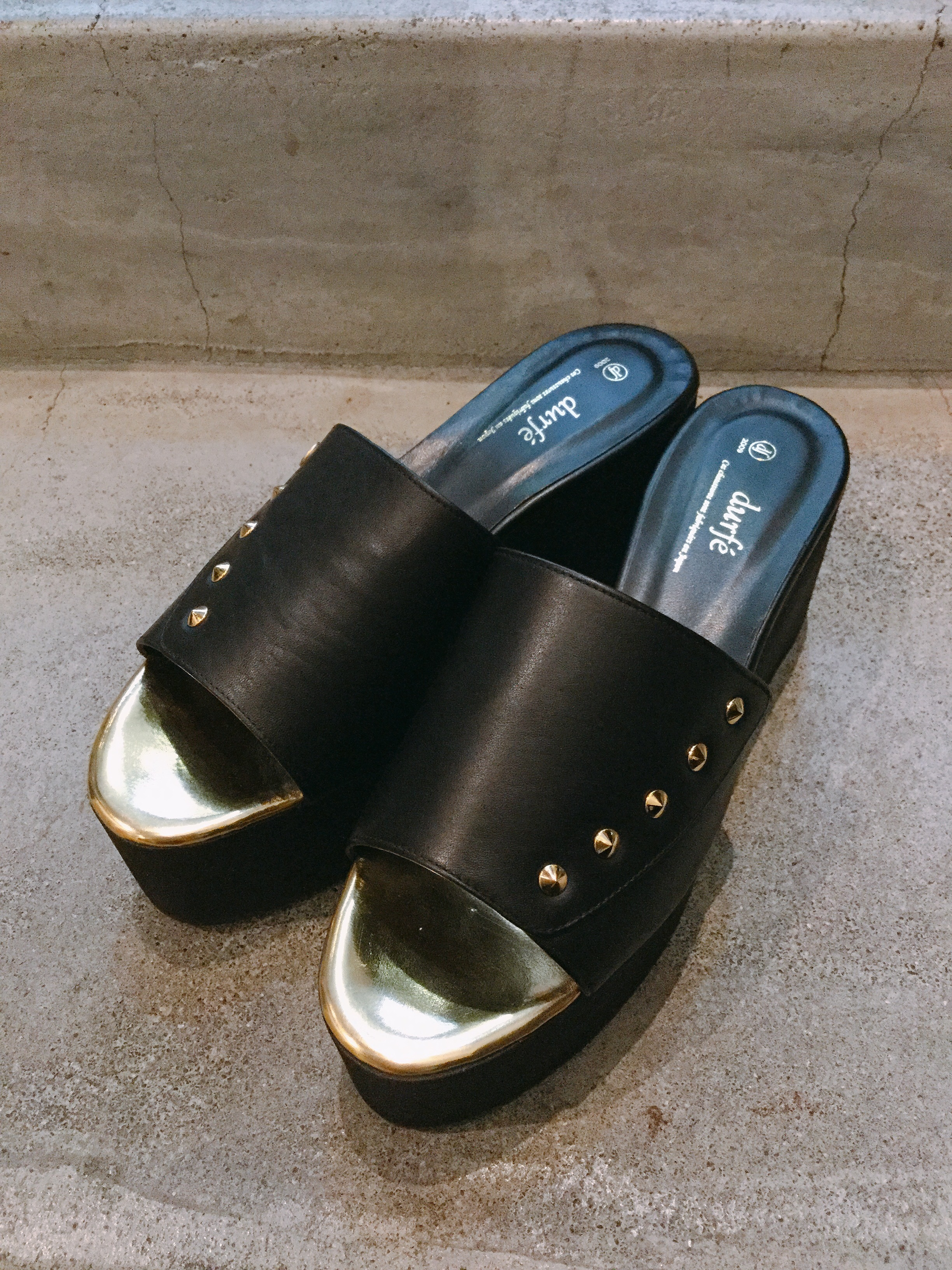 durfé STUDS DESIGN SOLE SHOES