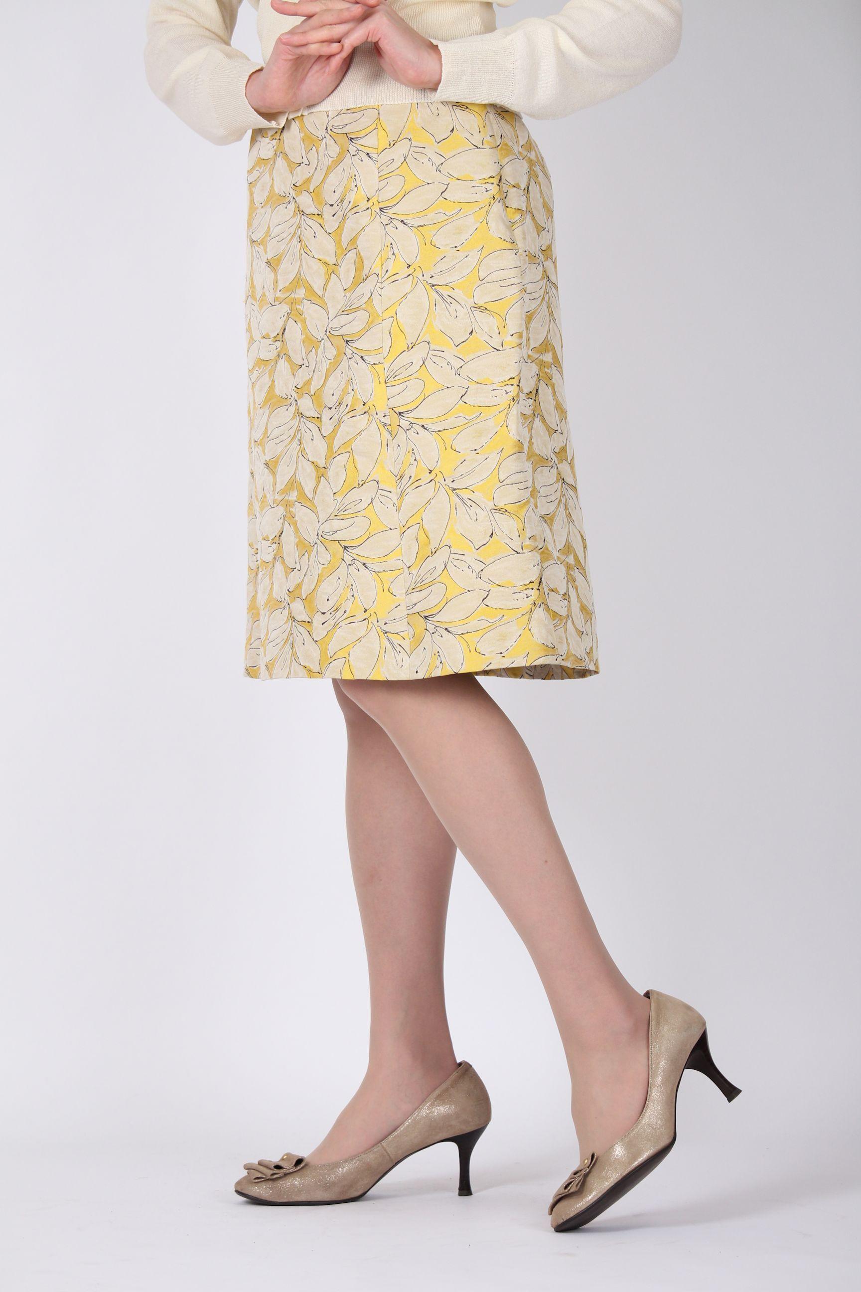 ゴールドイエロー葉っぱのスカート